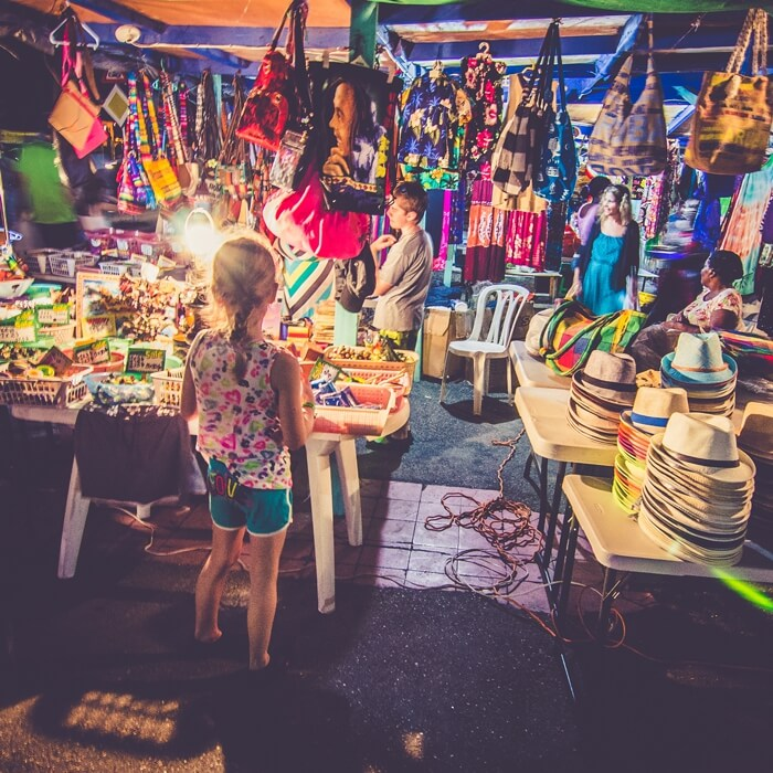 THEMATIC OPEN-AIR MARKET
